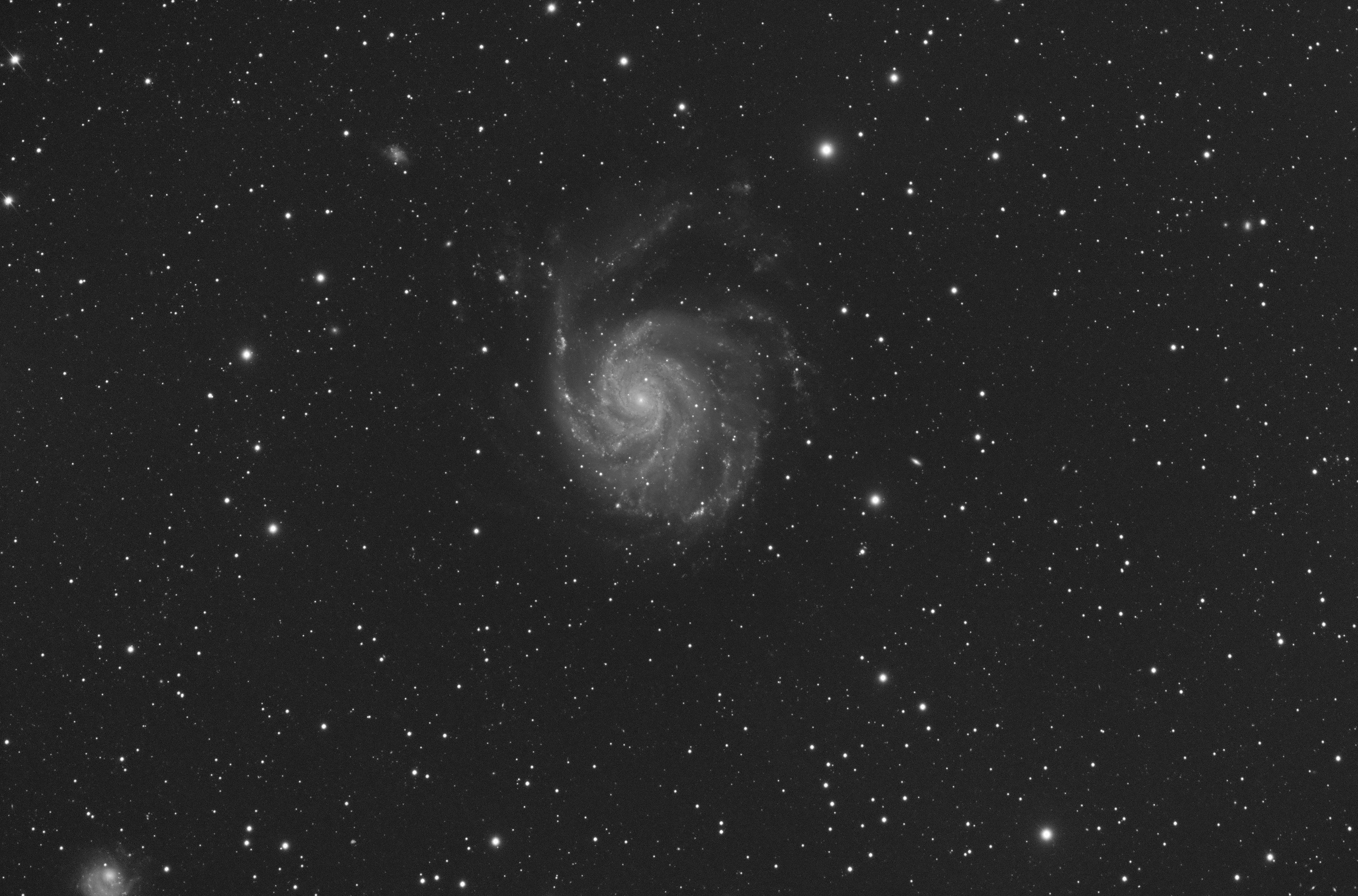 M101_FSQ106_F5_Altair183ProTec-15_57x120s.jpg
