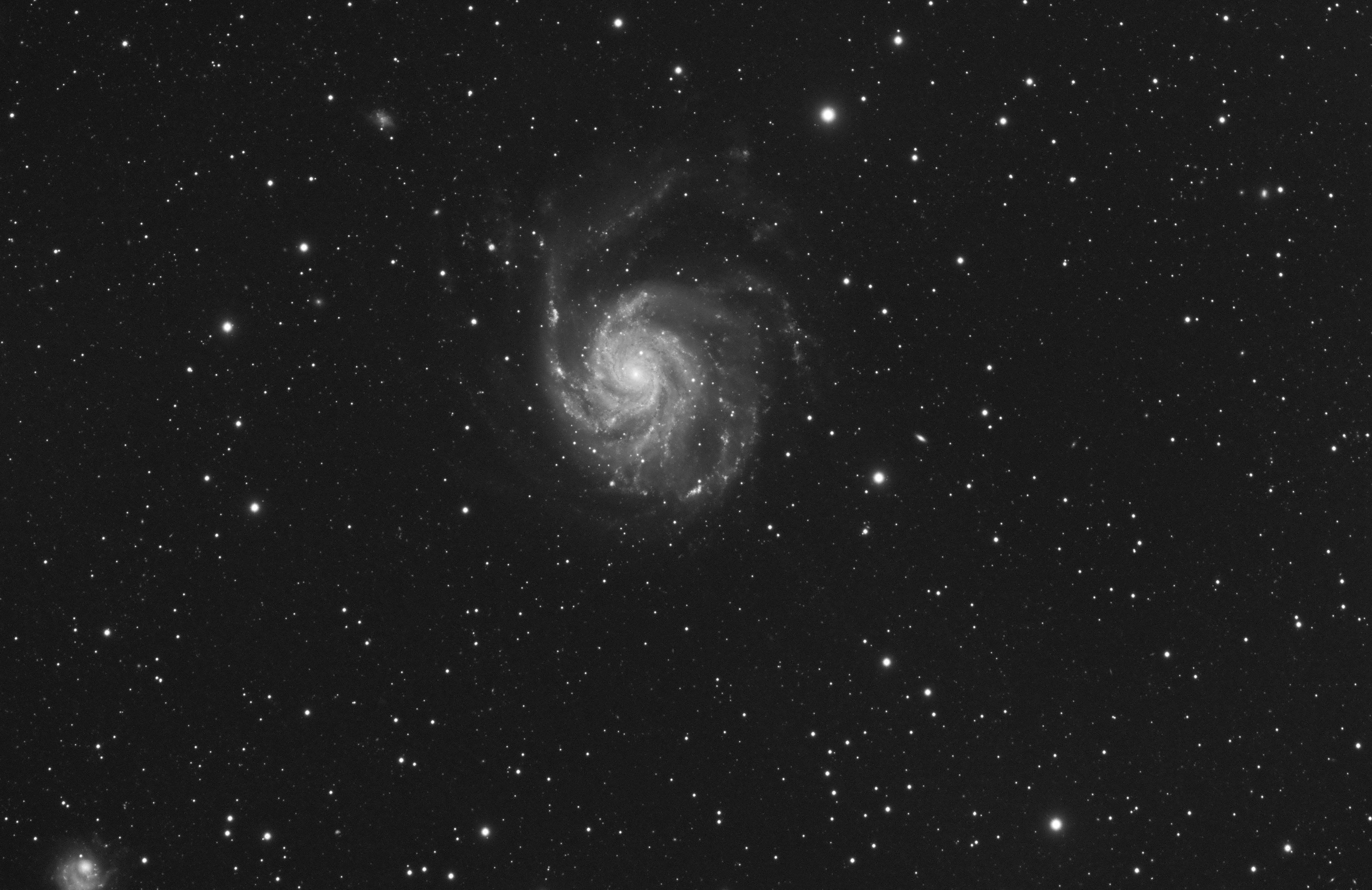 M101_FSQ106_F5_Altair183ProTec-15_60x120s.jpg