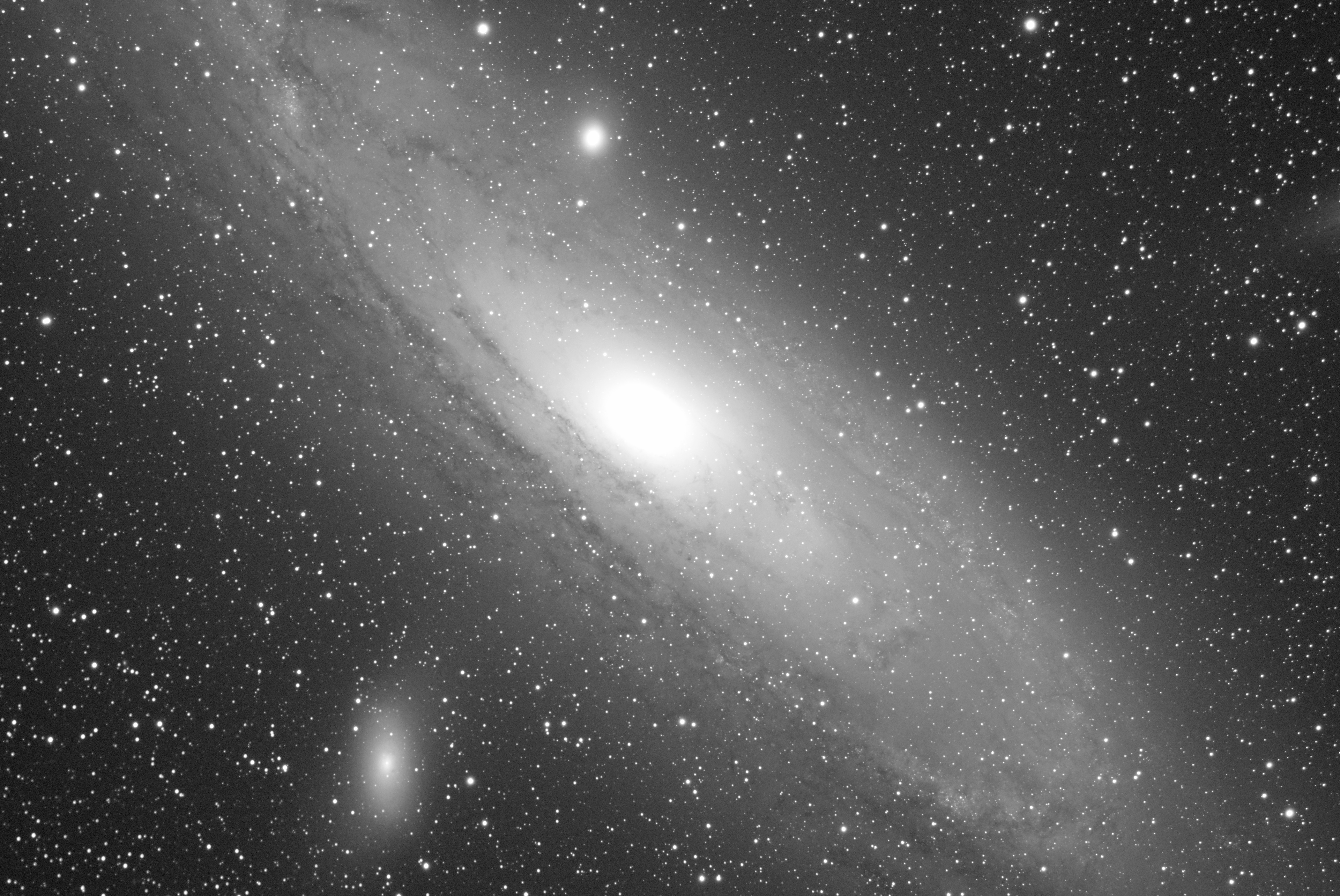 M31_10x90s_gain25.jpg