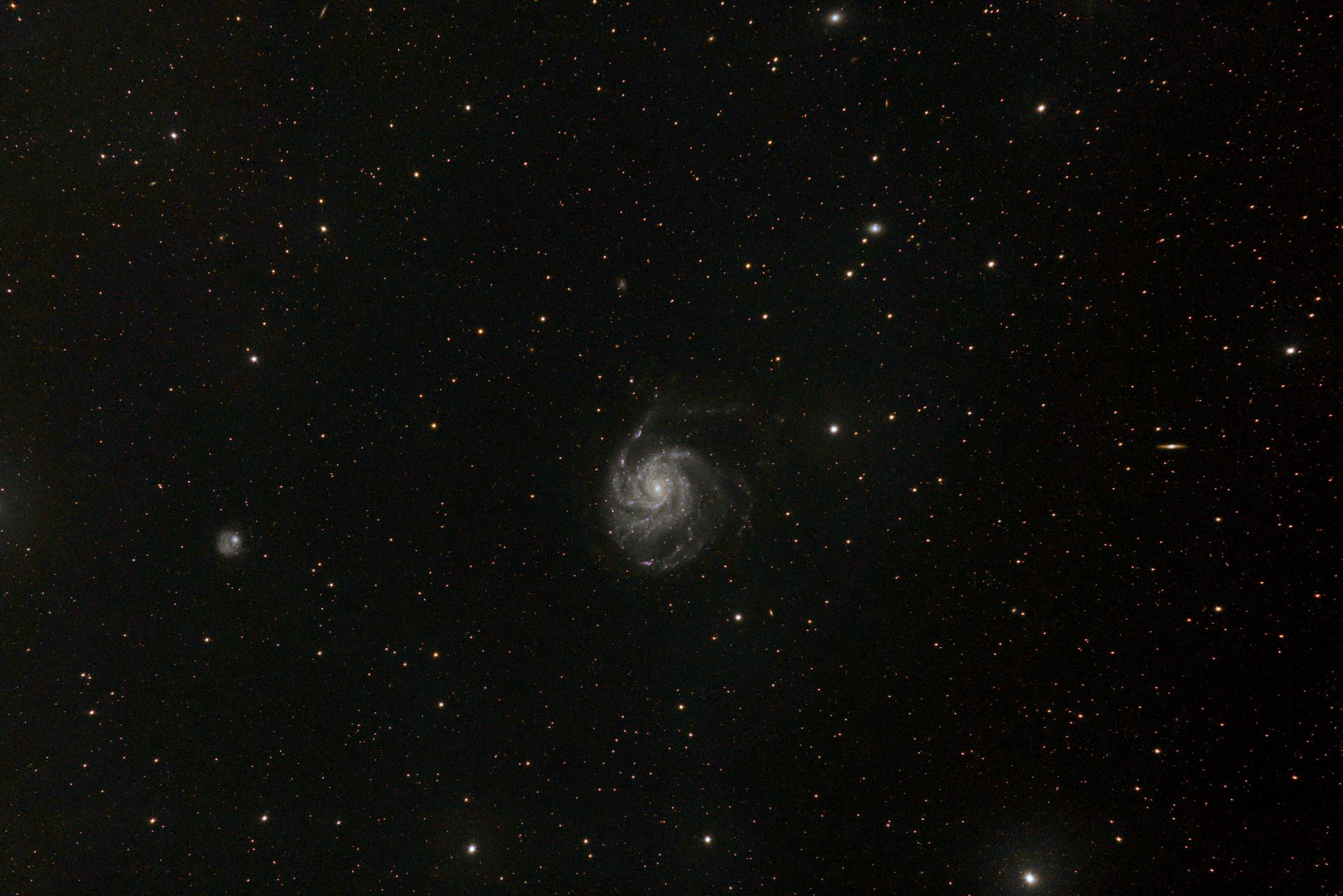 M101_fsq106_60x30s_60x60s_3200iso_t.jpg