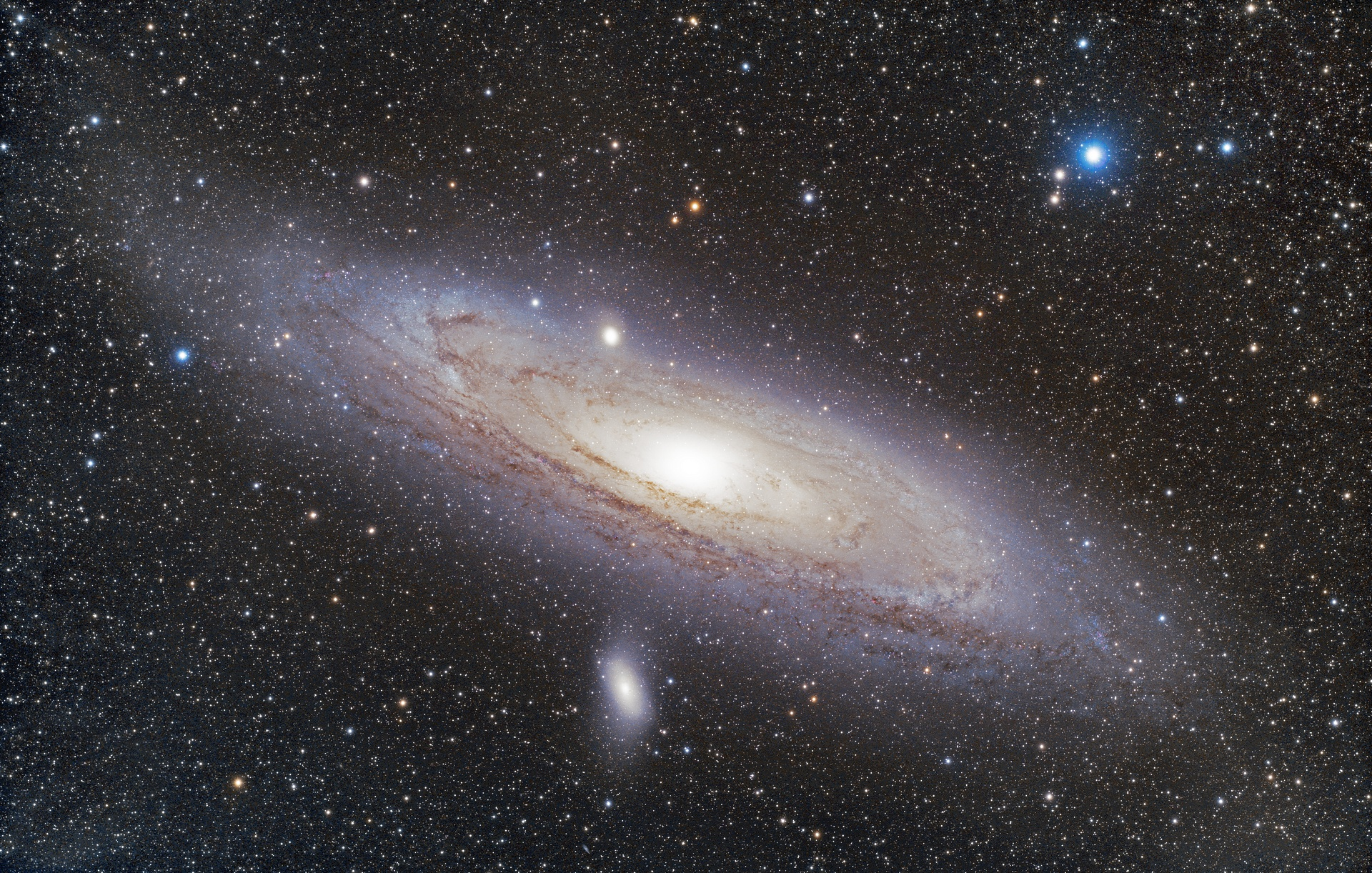 M31FSQ106-304x30s-3200iso-14082018c_t.jpg