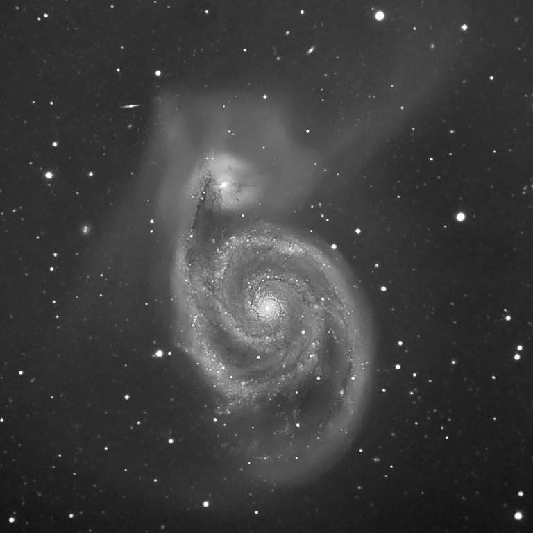 m51 à 2612mm de focale (14,33heures de pose) M51_86x10minfinalweb