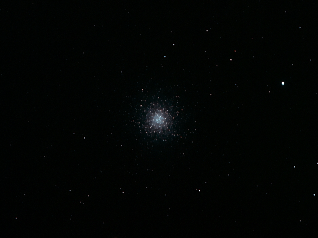 M13.jpg -          texto_bright       Object:M13   Date:09-04-2005       Observingsite: Sant Cugat   Telescope: TakahashiFSQ-106N  @ f/5 on GM-8 mount   Camera: Canon10D (unmodified)   Filters: IDAS LPS   Exposure:19 x 90 s ISO800. Total exposure: 0,5 h   Guiding: unguided     Software: Cameracontrol, processing: Images Plus   Comments: