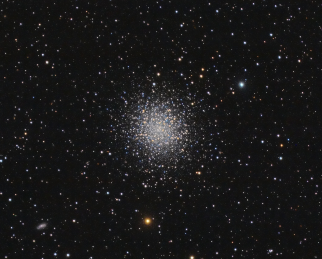 M013.jpg -          texto_bright       Object:M13   Date:17-03-2007       Observingsite: Àger   Telescope: TakahashiFSQ-106N  @ f/5 on GM-8 mount   Camera: Canon20Da   Filters: none   Exposure:15 x 3 min ISO400. Total exposure: 0.75 h   Guiding: ATK-2HS on off-axis guider     Software:Guide K3CCDTools. Camera control: Images Plus. Processing: PixInsight   Comments:Last image (to date) with non permanent setup