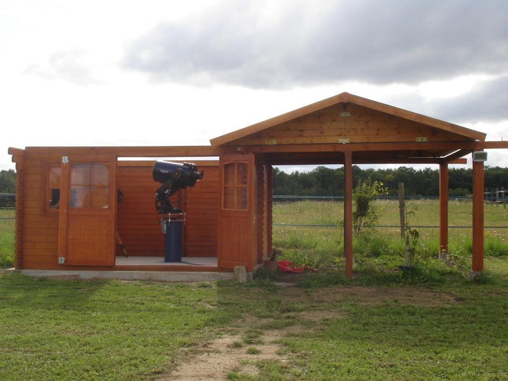 Caseta con apertura del techo lateral