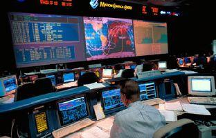 Les satellites de telecoms et le Soleil --- Effet EMP ? Ctrl-room-spaceshuttles