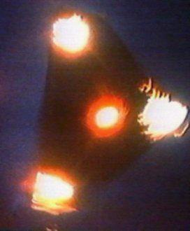 2010: le 17/07 à 3h30 - Observation d'un triangle - Trouville sur mer (14) Ovni-belgique-1989b