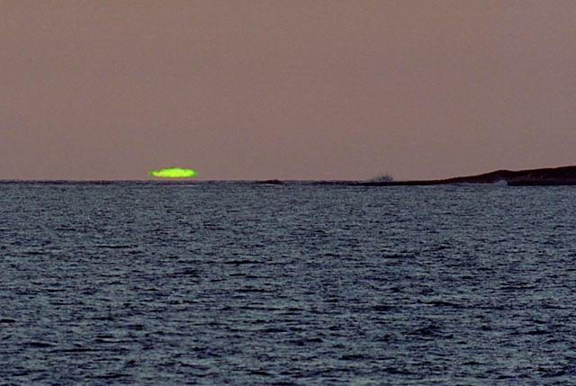 """Résultat de recherche d'images pour """"rayon vert soleil"""""""