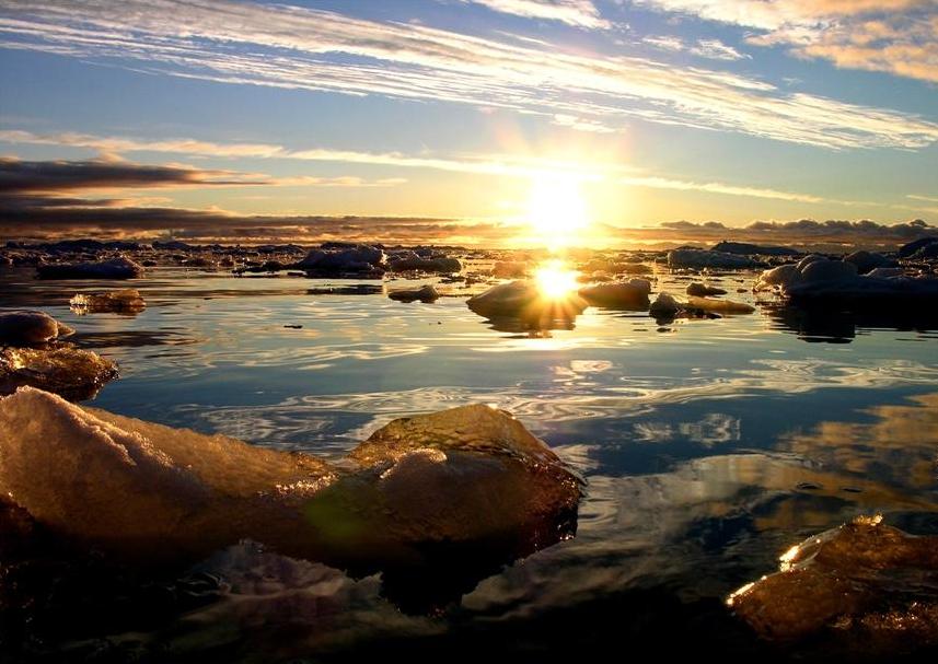 http://www.astrosurf.com/luxorion/Sciences/groenland-ilulissat.jpg