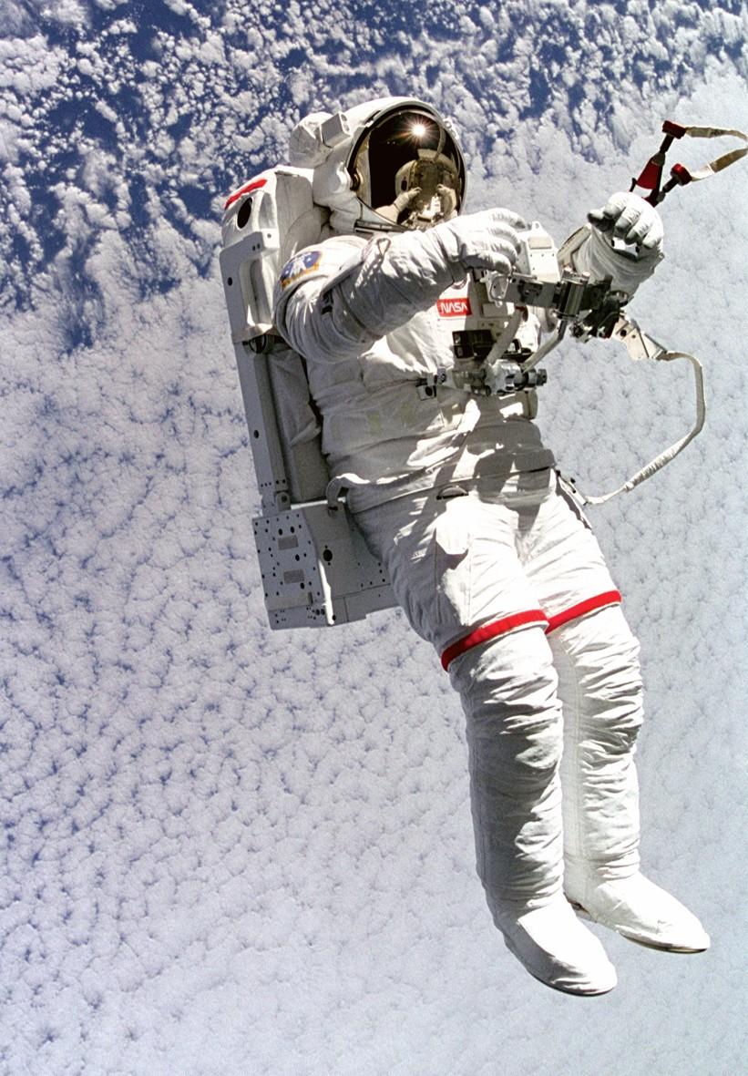 Les combinaison spatiales spacesuits - Dessin d astronaute ...