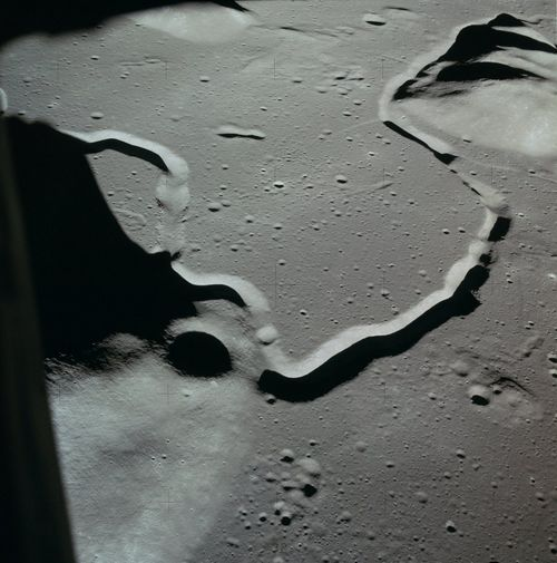 Hadley-Rille-Apollo-15.jpg