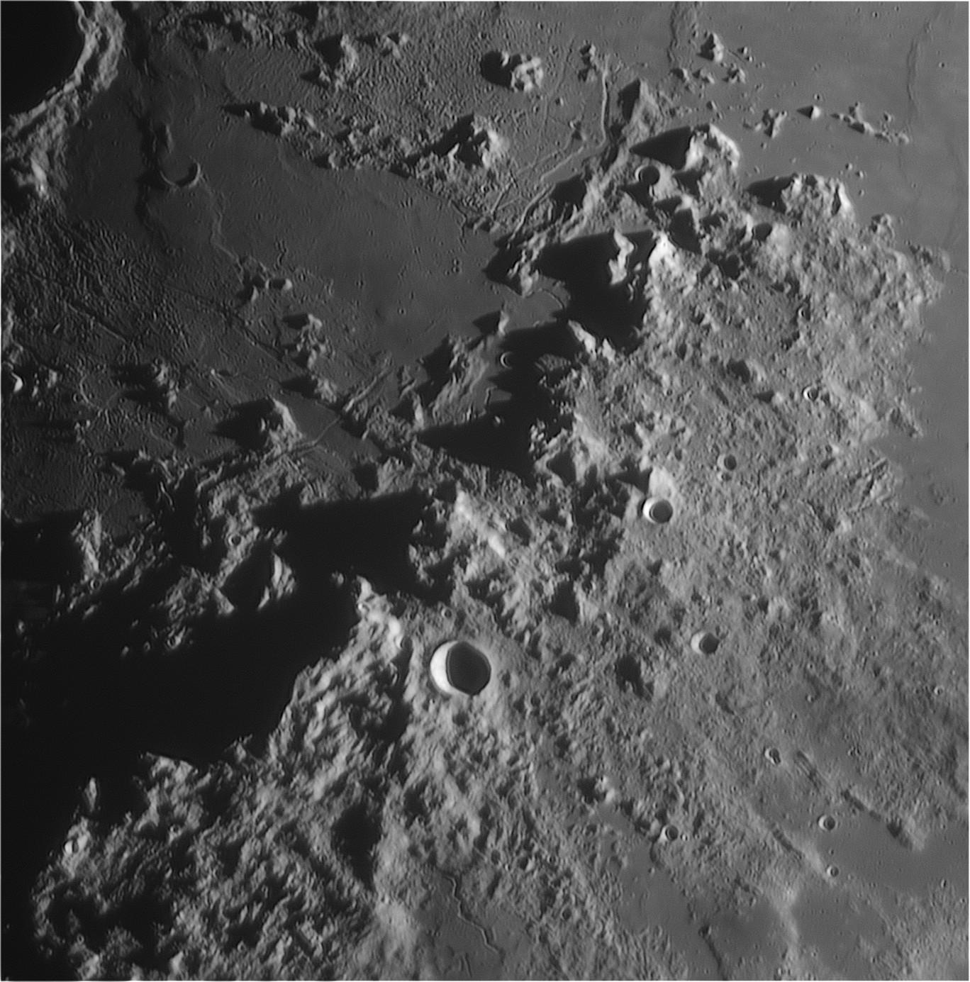 Moon_20190412_212431_23A.jpg