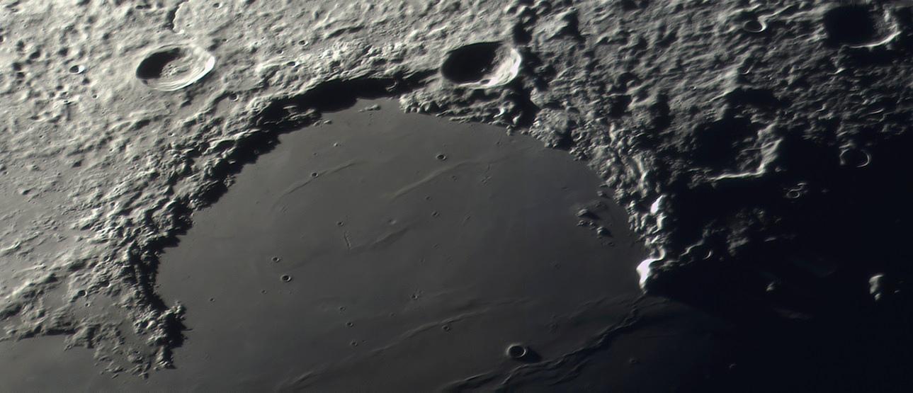 lune 15sept 1.jpg