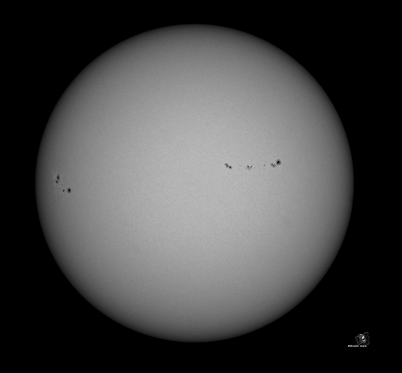 Taches solaires du 22 08 2017 assemblage 60 meilleurs photos complet sous Régistax 3 et traités sous Tim et CS6