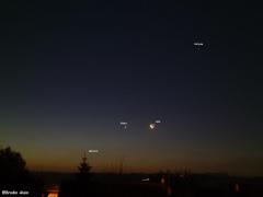 Ce matin du 11 Decembre 2012 vers 7h15 Alignement de Mercure , Vénus , Lune et Saturne !!!!