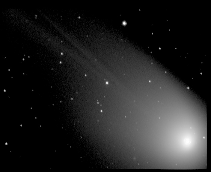 comete_q4.JPG.b7cec408ce1ac04a4f932b1f0e6998dc.JPG