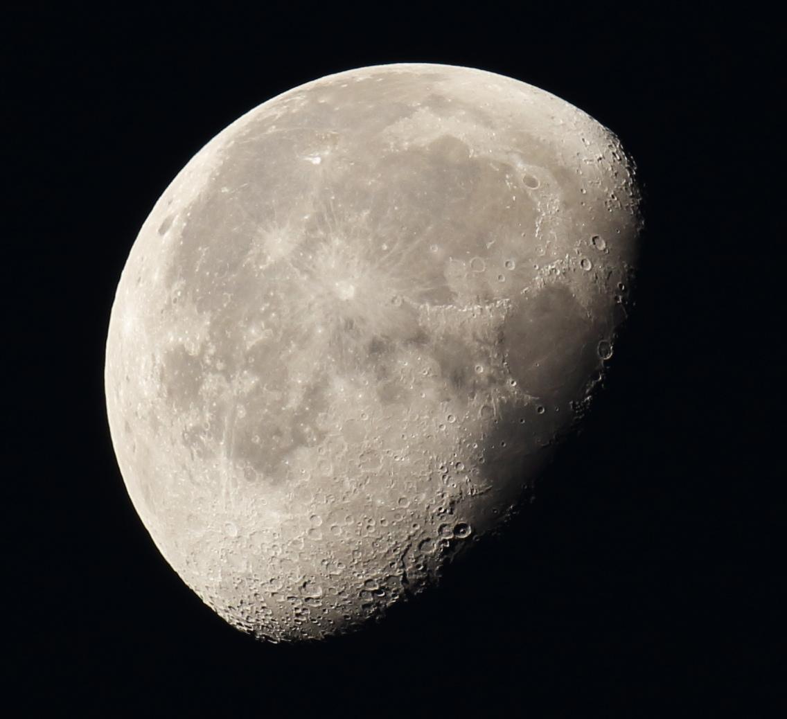 la lune, au matin du 10/10/2017/00032117/32122rawjpegas.JPG