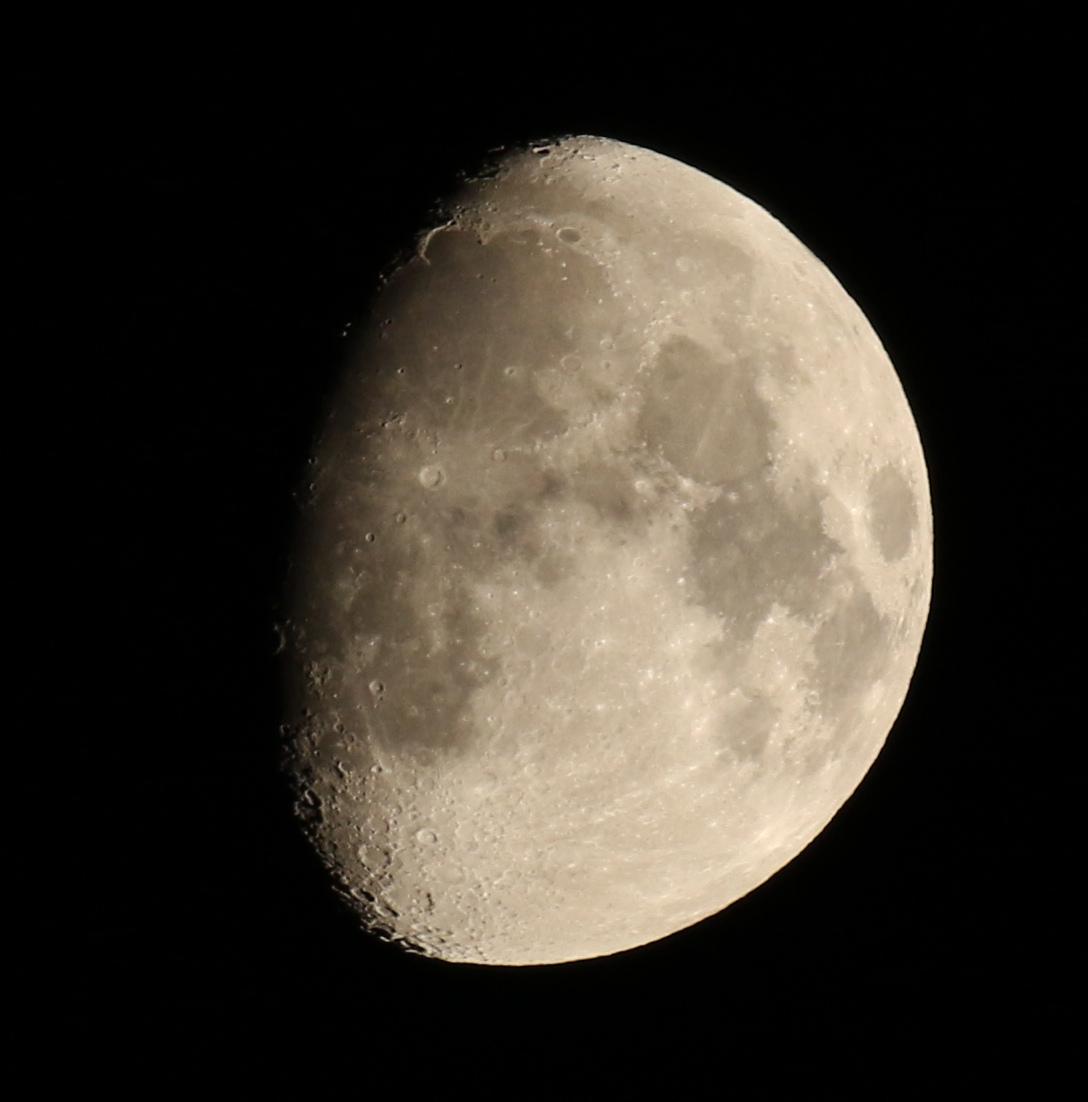la lune au soir du 30/10/2017  (00033326.JPG)