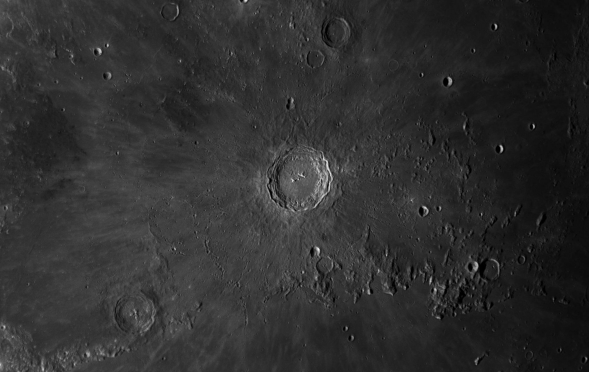 Moon_01_Oct_2017_18_43_01_HaT-F27_ZWO ASI174MM_AS_F166_grad6_ap560_conv-ps.jpg