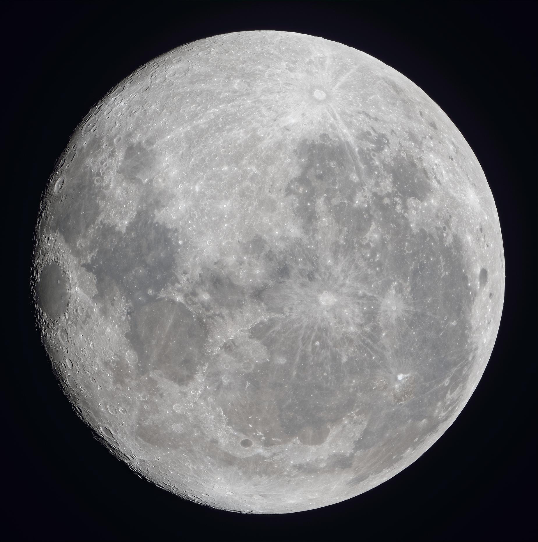 La lune du 7 octobre à la lunette de 76mm et Nikon D810