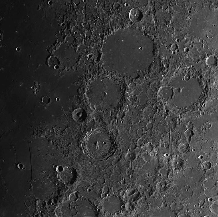 Moon_195510-registax1-final.jpg