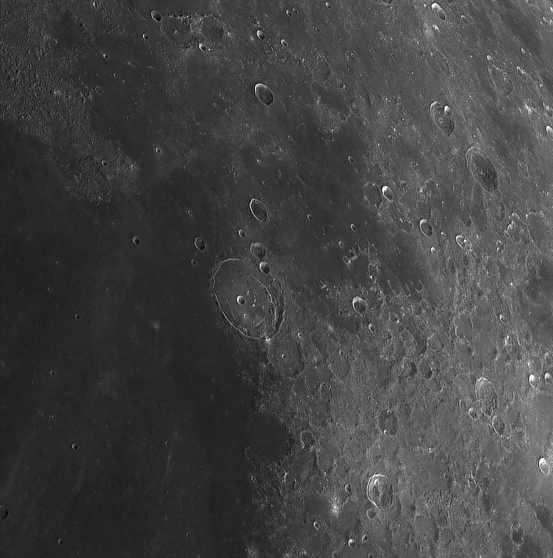 Moon_202941-registax1-final.jpg