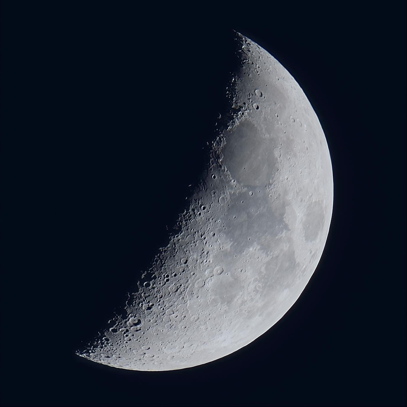 La lune du 25 Novembre, au zoom Sigma 120/300 et D810, à 500mm de focale
