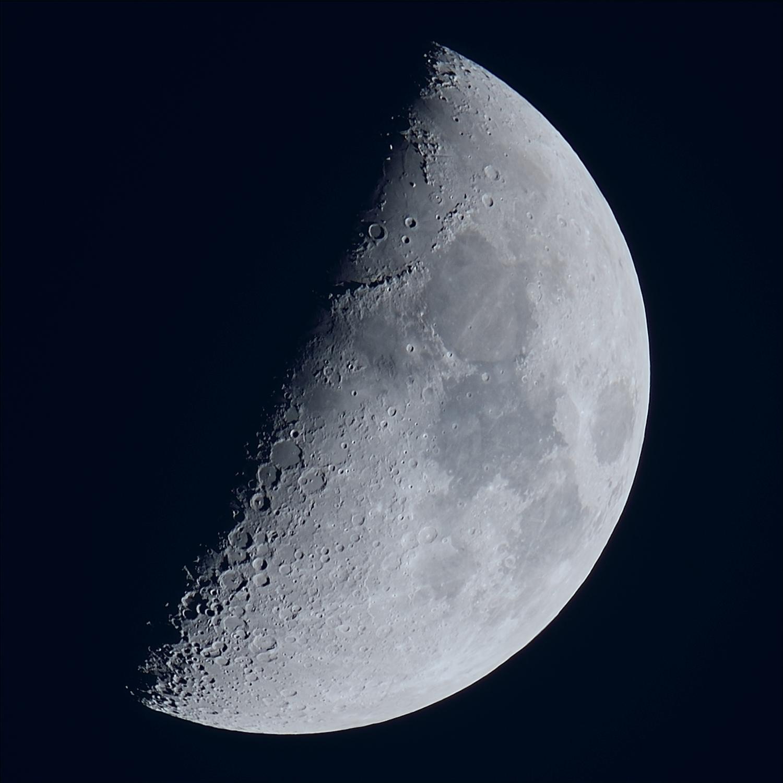 La lune du 26 Novembre, au zoom Sigma 120/300 et D810, à 600mm de focale