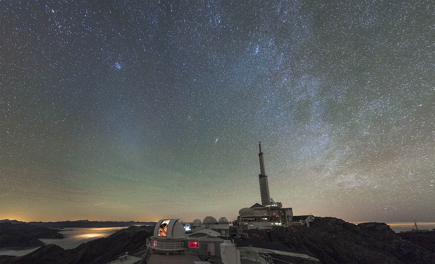 pic du midi airglow zodiacallight