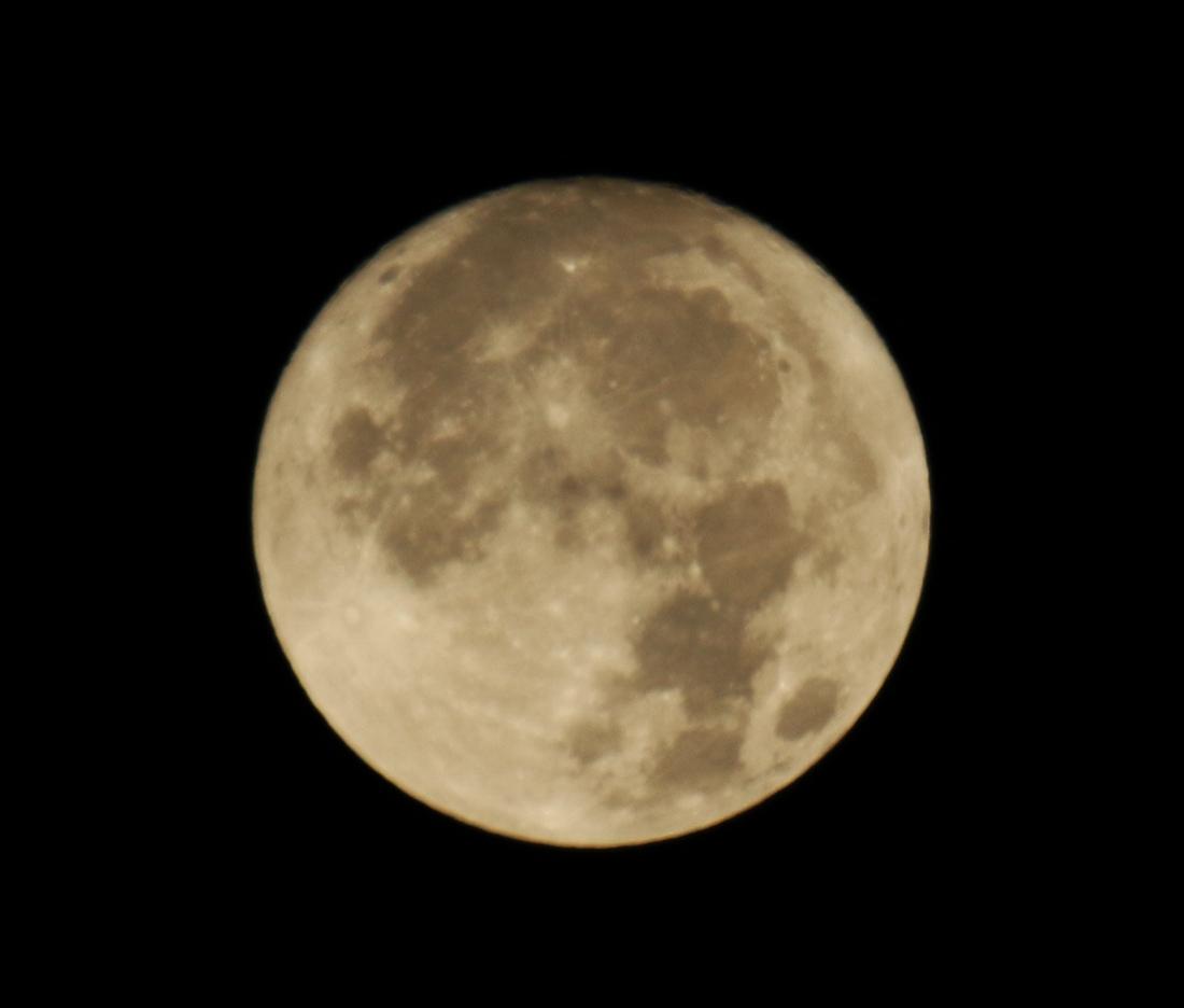 la lune , au matin du 03/12/2017 (00034917.JPG)