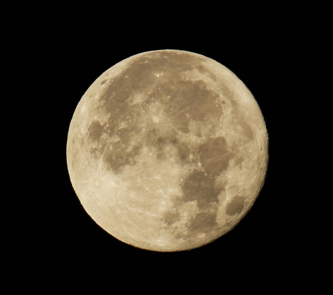 la lune, au matin  du 04/12/2017 (00035110.JPG)