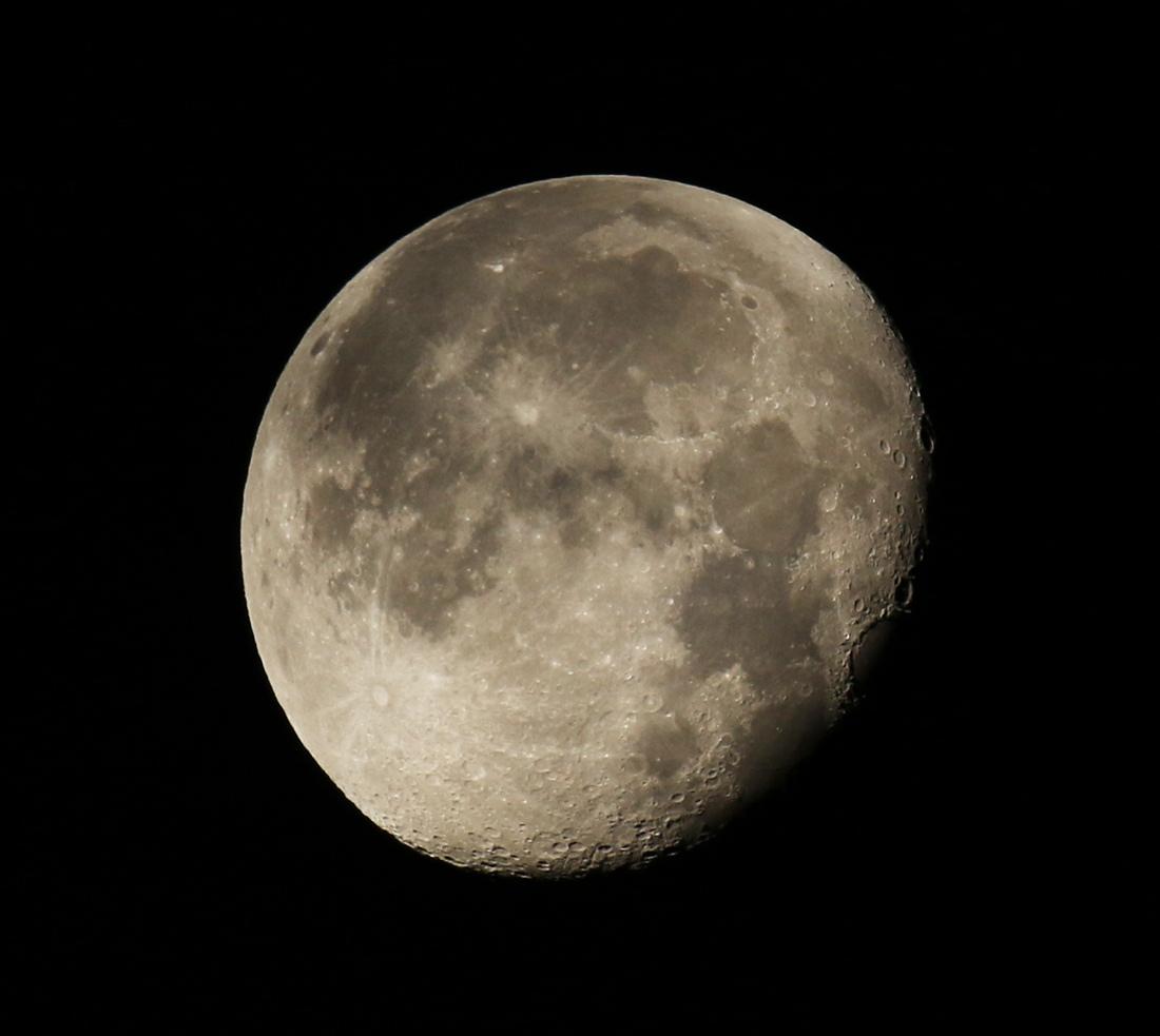 la lune, au matin du 06/12/2017  (00035454.JPG)