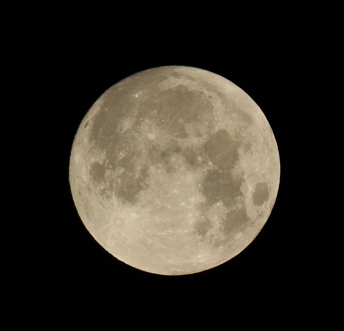 la lune, au matin du 31/01/2018 (37405.JPG)  pour la pleine lune ;)