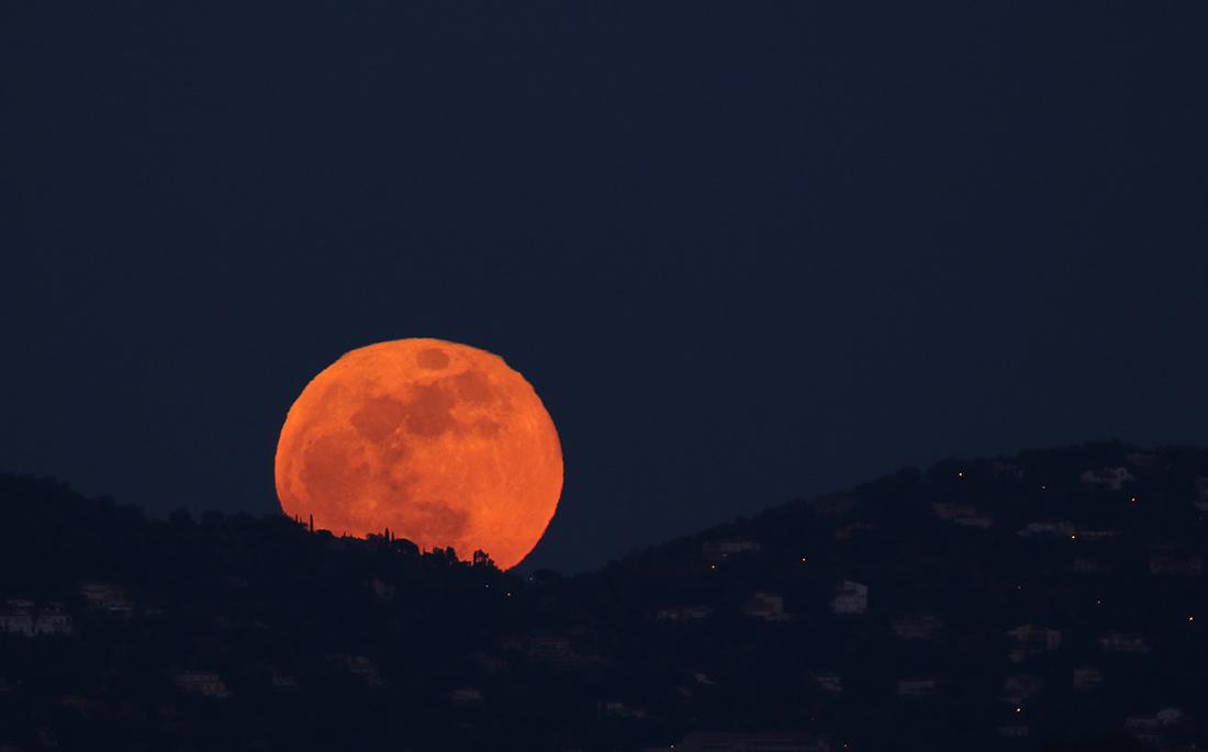 la lune, au soir du 31/01/2018 (37451.JPG)