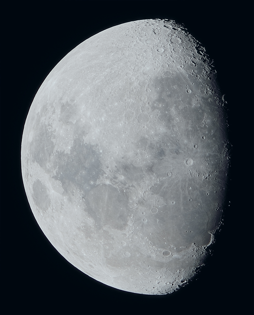 La lune du 28/12 au zoom Sigma 120-300, Tc2x et Nikon D810