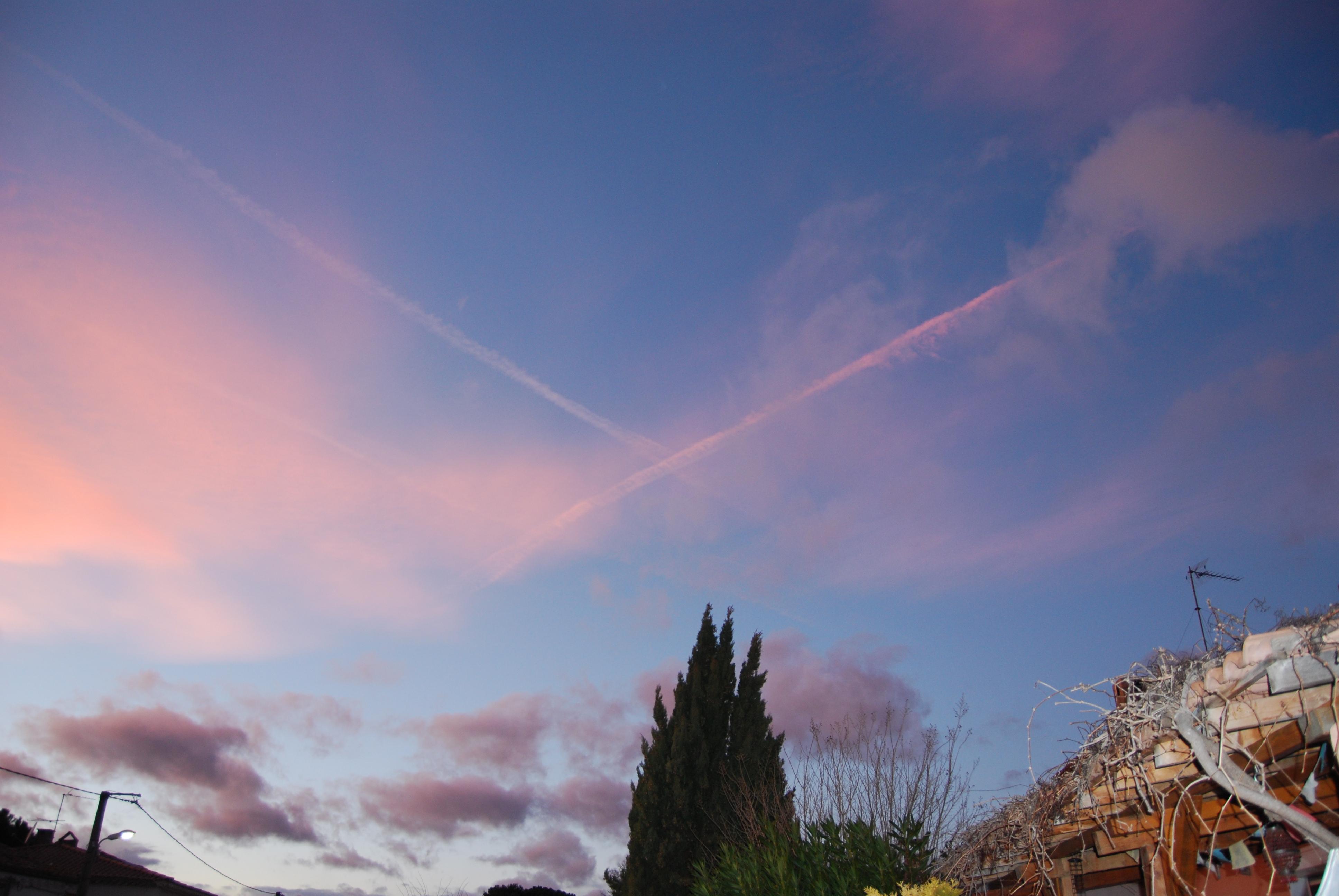 Dans le ciel du soir.....