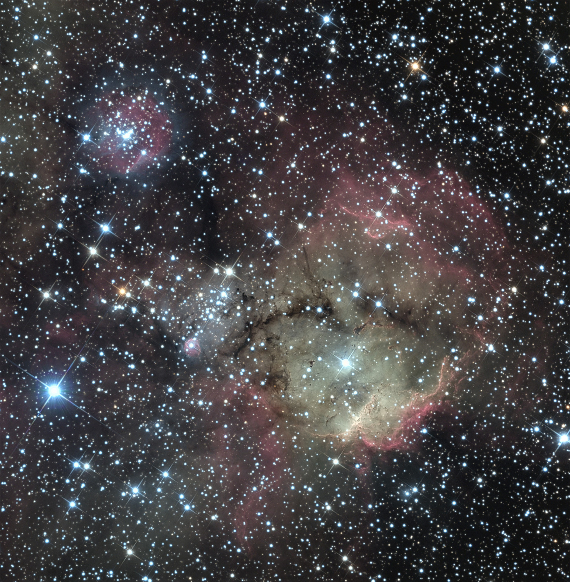 NGC2467LRVB-V3-Crop-Sature.thumb.jpg.82f9be3932ea03a66569aaa698983fbf.jpg