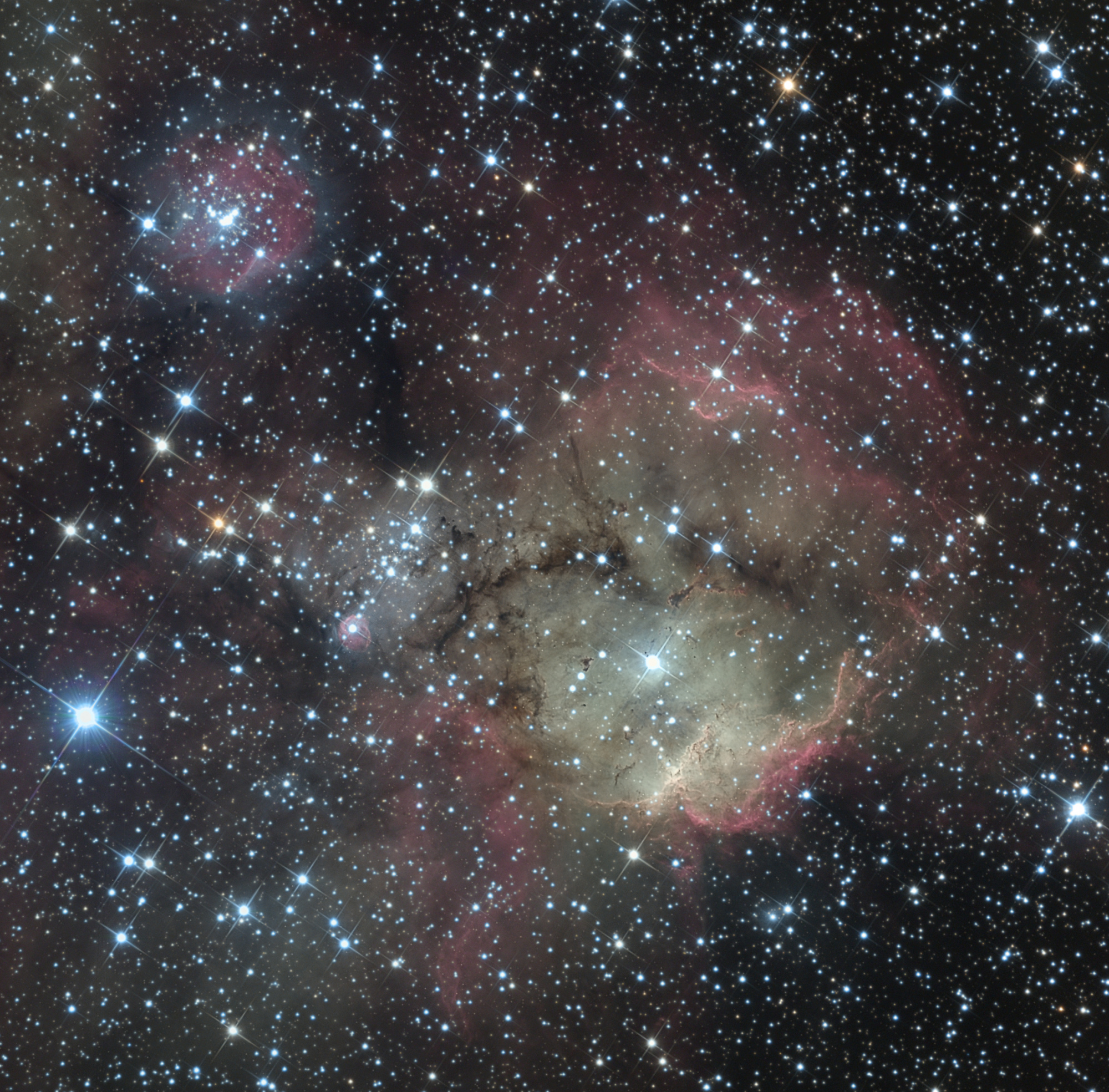 NGC2467LRVB-V4-Crop.thumb.jpg.48a5ce6d261f19372ae574df7a66cd9c.jpg