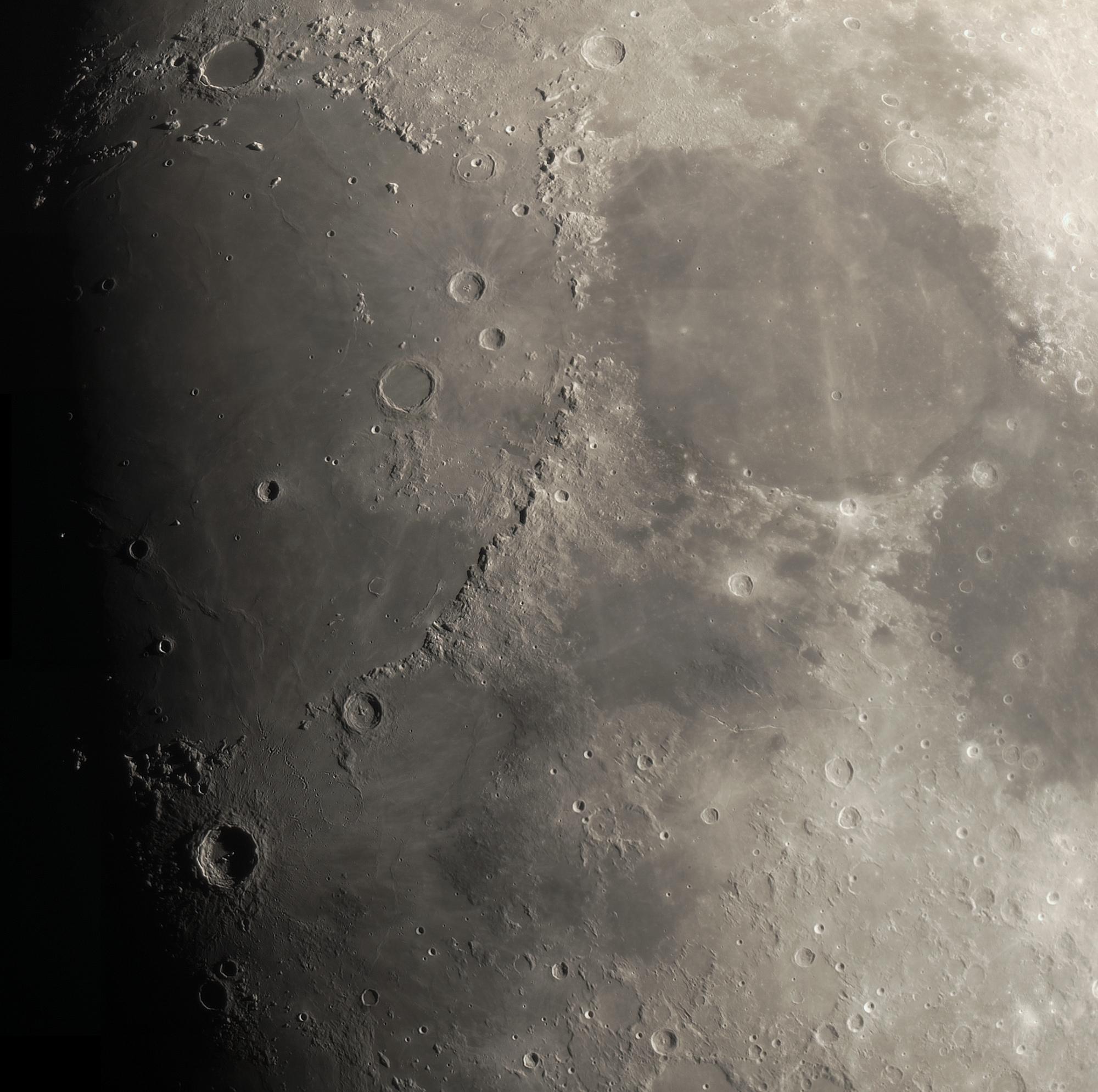 5ab94fe03482d_lune(70)a.thumb.jpg.45aa58134301a9c4d3115ae39282ed97.jpg