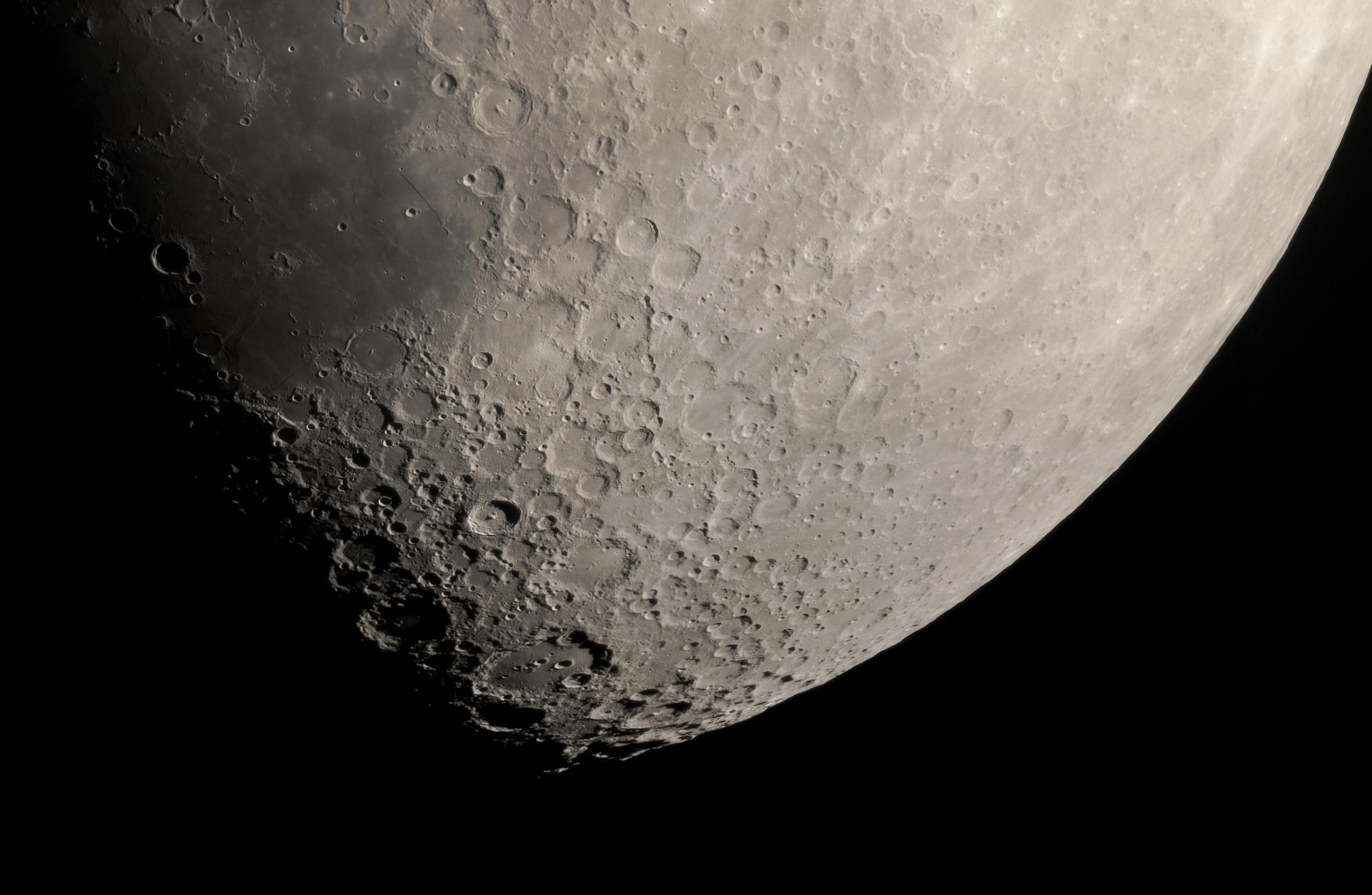 5ab9501110280_lune(70)b.thumb.jpg.5135fb65f9a8128cf424f7bf7f732a98.jpg