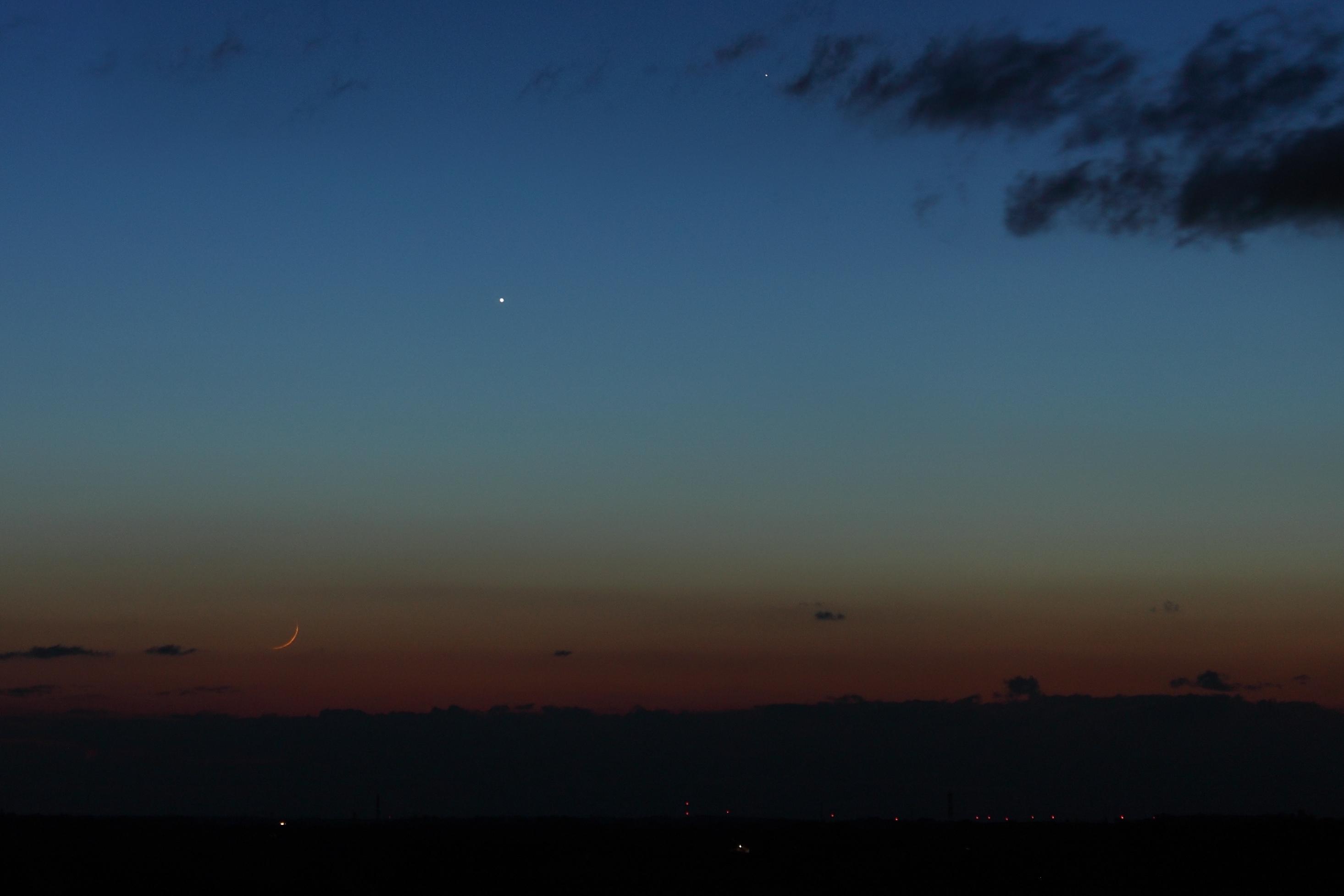 Conjonction entre la Lune, Mercure et Vénus, le 18 mars 2018