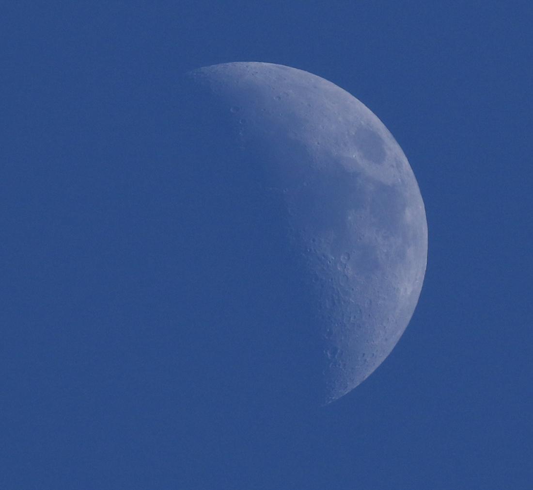 la lune au soir du 23/03/2018 (40061.JPG) et vers 17 h 00