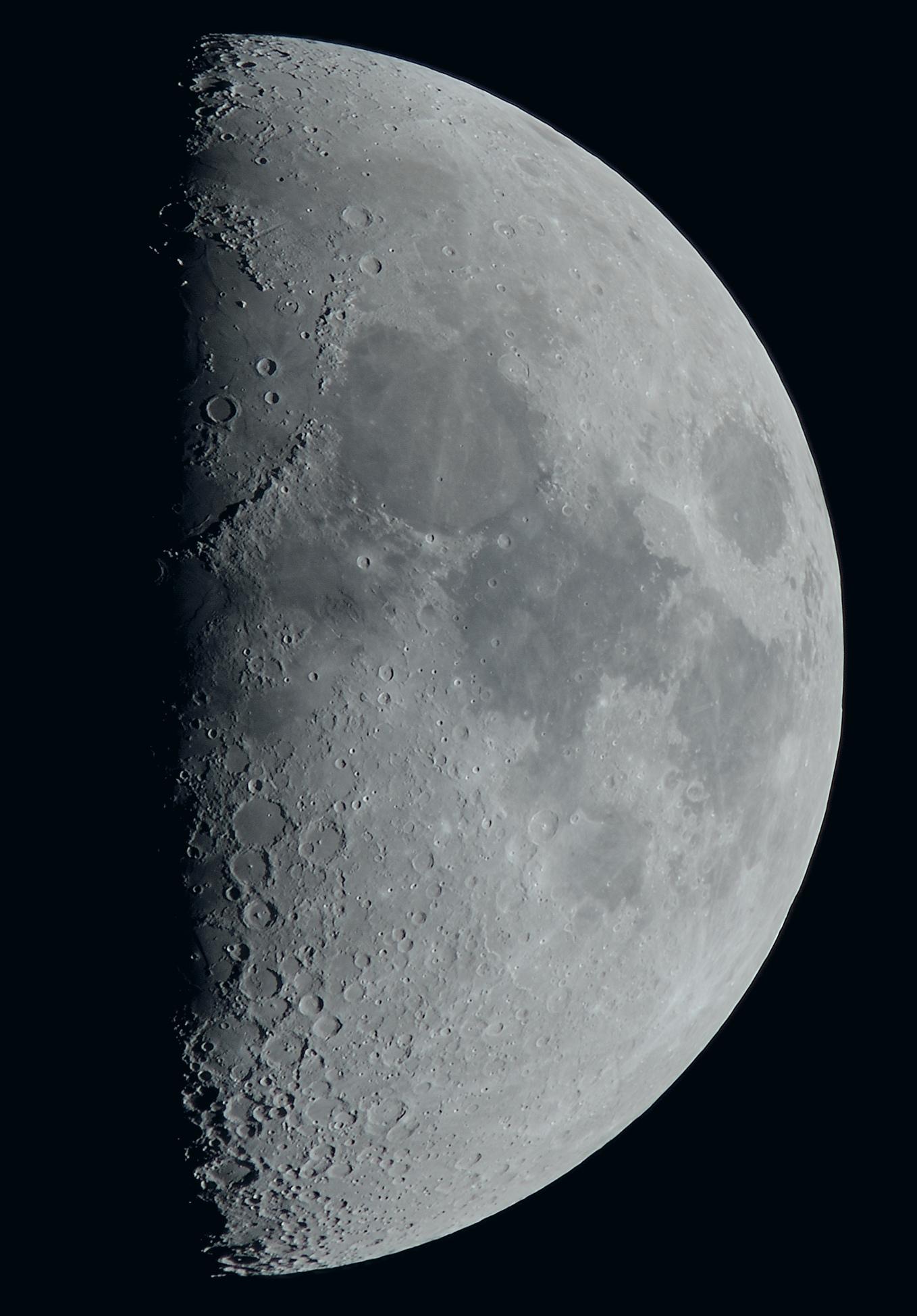 La lune du 23 Février, au Nikon D810, zoom Sigma 120/300, à 1200mm de focale, sur trépied photo