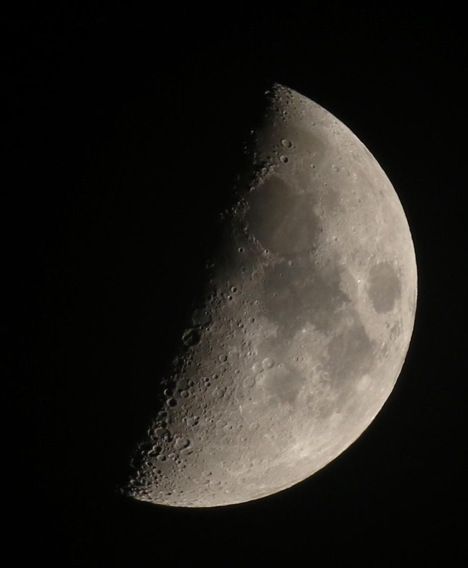 la lune, au soir du 22/04/2018 (41964/74.JPG)