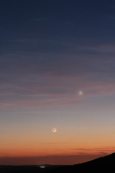 vénus-lune-pléiades réduite.JPG