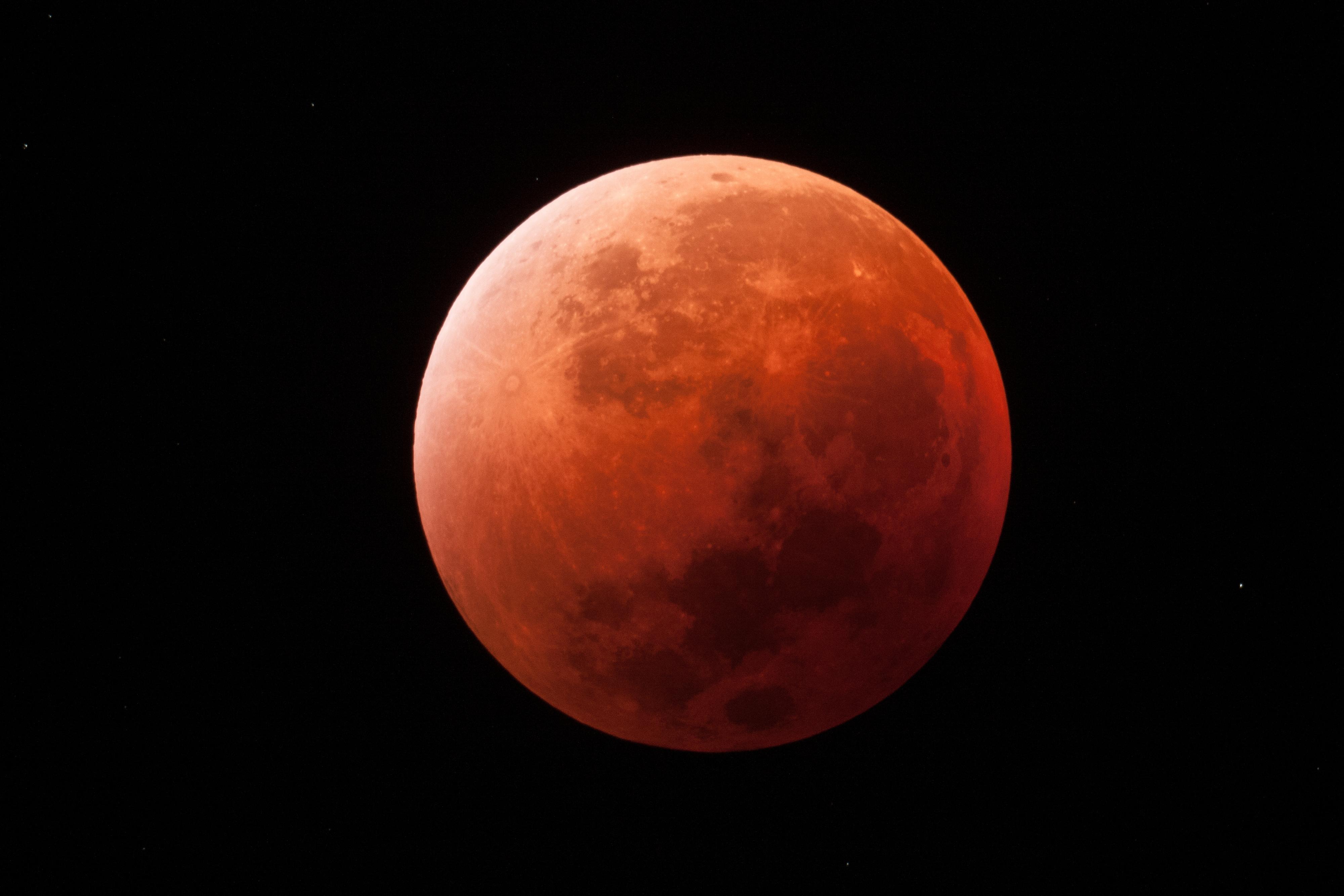 "Eclipse lunaire ""super lune"" 2015"