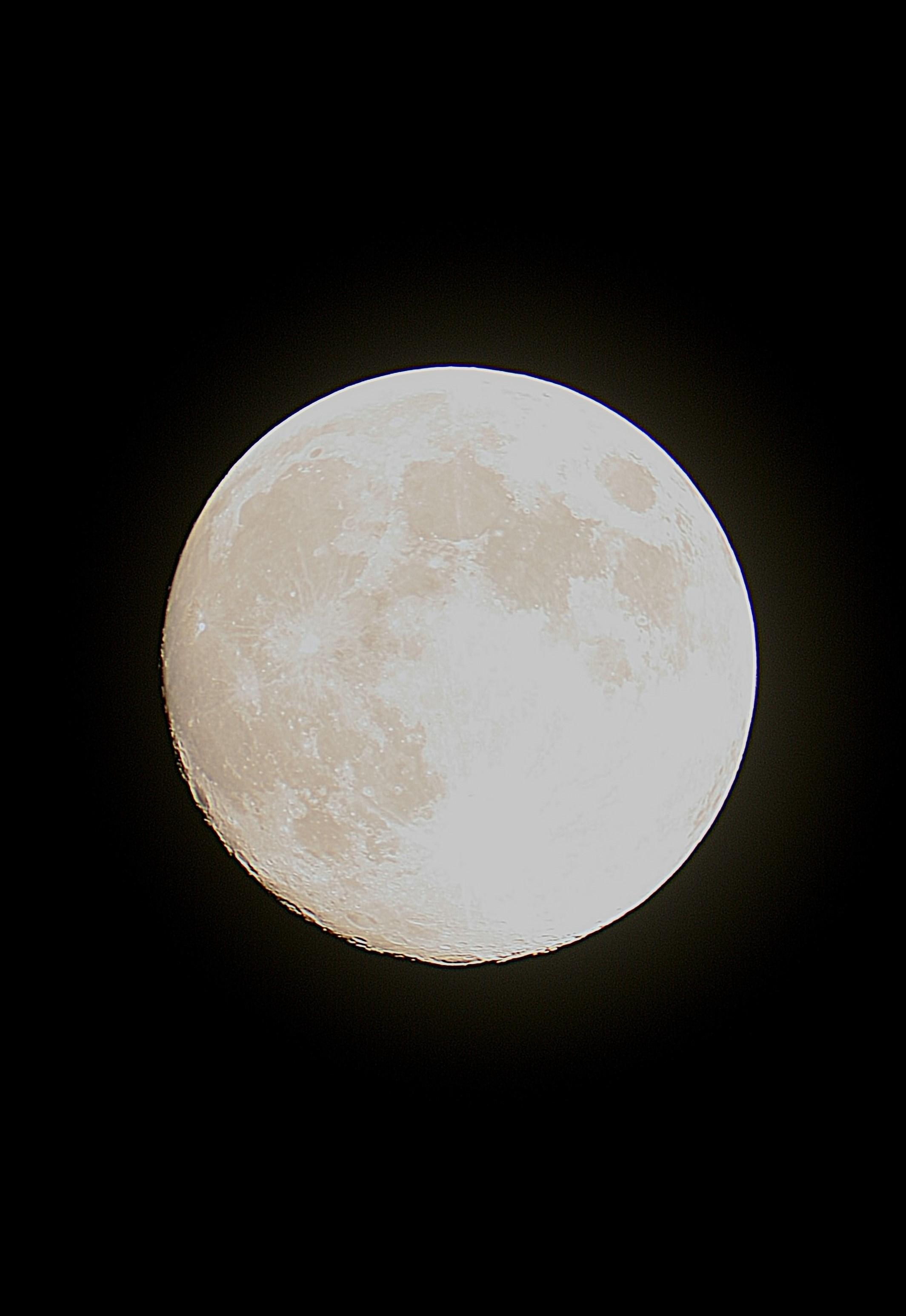 La Lune dans la nuit du 30 Avril 2018