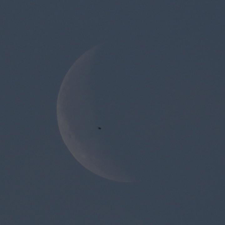 la lune au matin du 10/05/2018 (42595/604/09/10/14/17/57.JPG)
