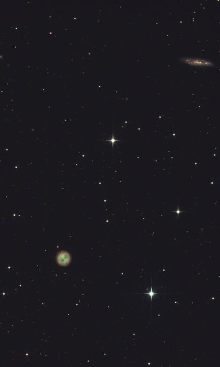 """M 97 et M 108   Nébuleuse planétaire """"le hibou"""" et galaxie. Constellation de la grande ourse"""