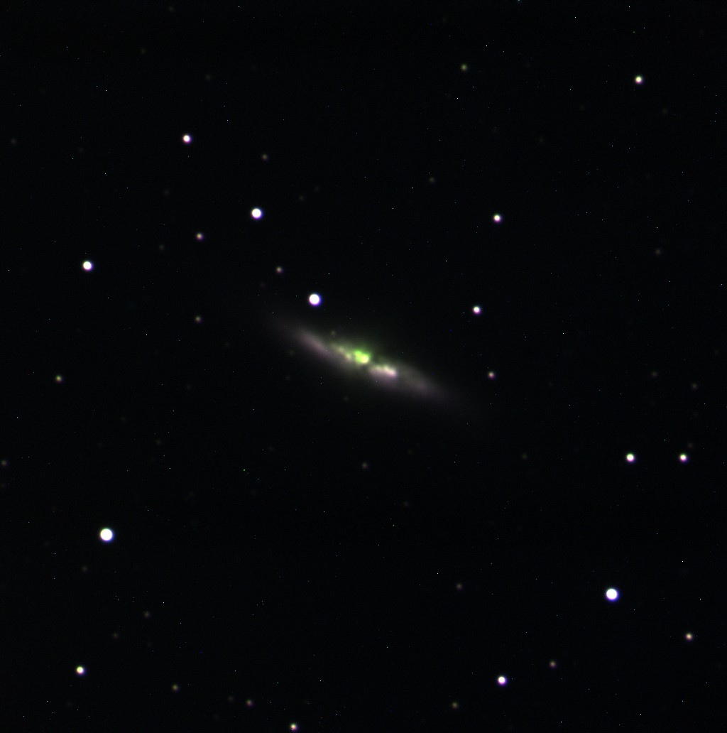 M82_3couleurs.jpg.0a651549c40948dfd4edddfd35a3909e.jpg